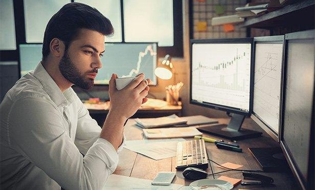 بهترین زمان خرید و فروش سهام در بازار بورس ایران چه زمانی است؟